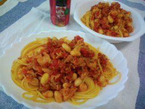 豚肉とキャベツのトマト煮リメイクパスタ